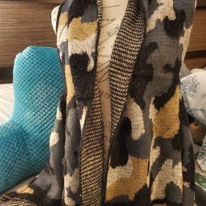 Amazingly soft fashionable vest style sweater /cam